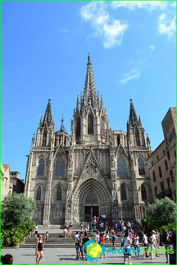 Barcelona domkyrka i det gotiska kvarteret