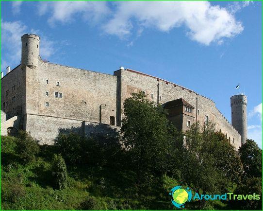 Toompea-kastély és a hosszú Hermann-torony