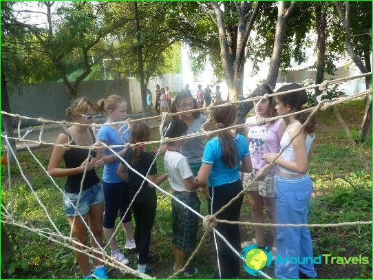 Lasten leirit Samarassa
