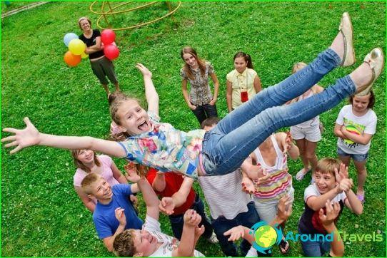 Lasten leirit Omskin alueella