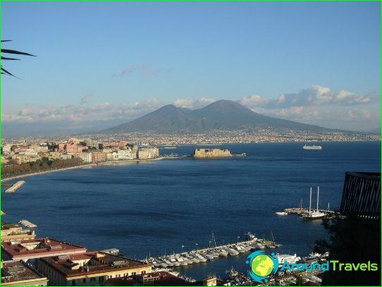 Lomat Napolissa