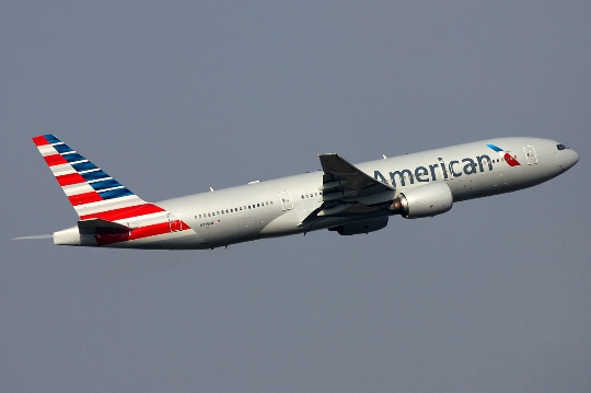 Quanto volare da Los Angeles a Mosca?