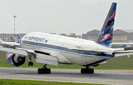 Hoeveel om te vliegen van Oefa naar Moskou?