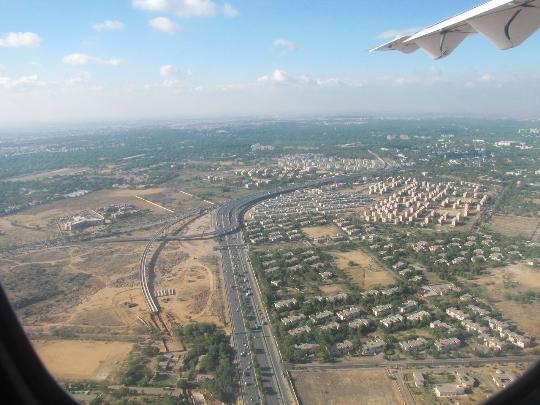Hoeveel om te vliegen van Abu Dhabi naar Moskou?