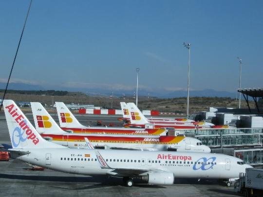 Kuinka paljon lentää Madridista Moskovaan?