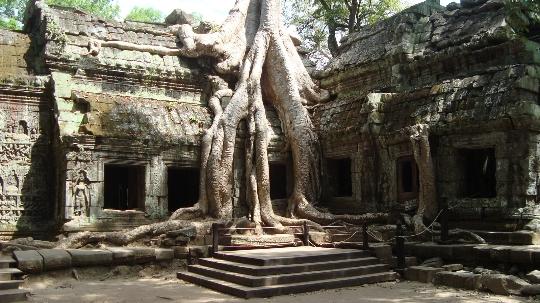 Почивки в Камбоджа през април