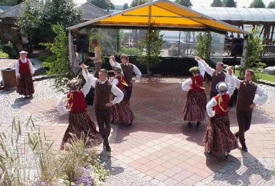 Латвийски традиции