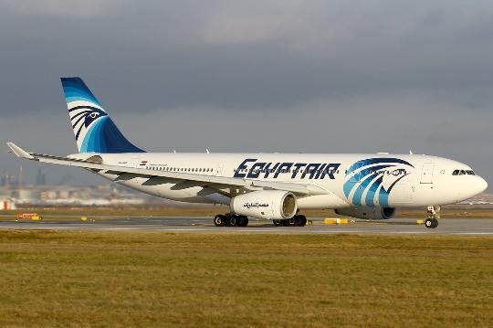 كم تطير من القاهرة الى موسكو؟