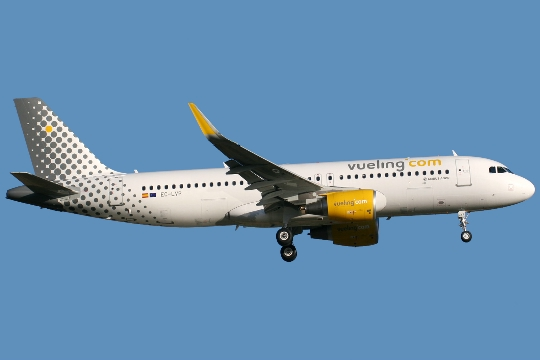 Kuinka paljon lentää Malagasta Moskovaan?