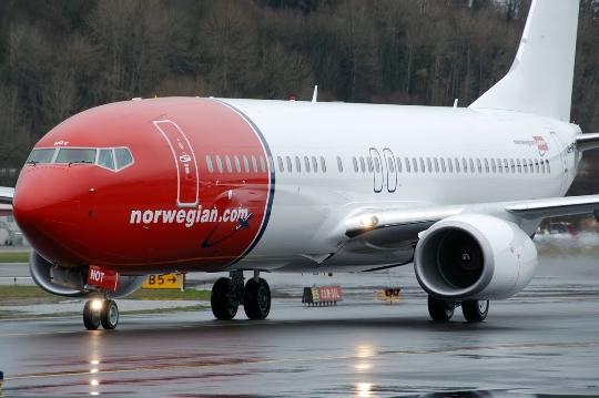 Kuinka paljon lentää Oslosta Moskovaan?