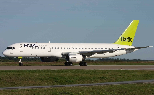 Колко да лети от Вилнюс до Москва?