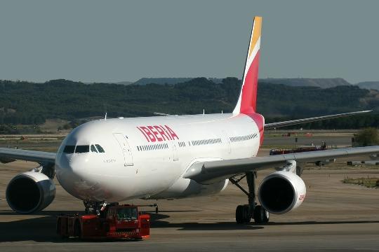 Kuinka paljon lentää Alicantesta Moskovaan?