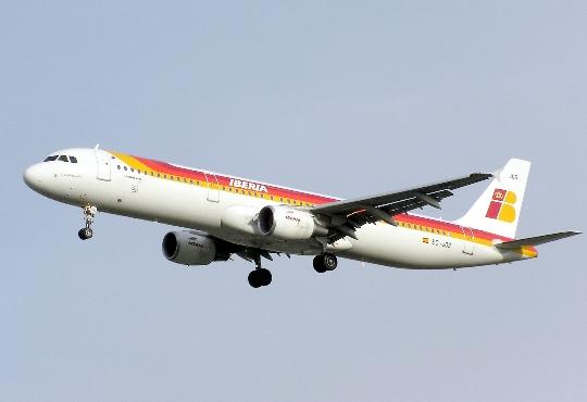 Kuinka paljon lentää Valenciasta Moskovaan?