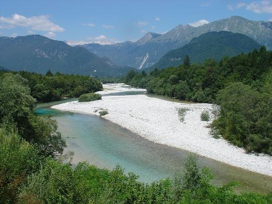 Lomat Sloveniassa huhtikuussa