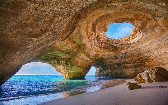 Крайбрежие на Португалия