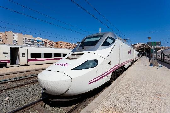 Испания влакове