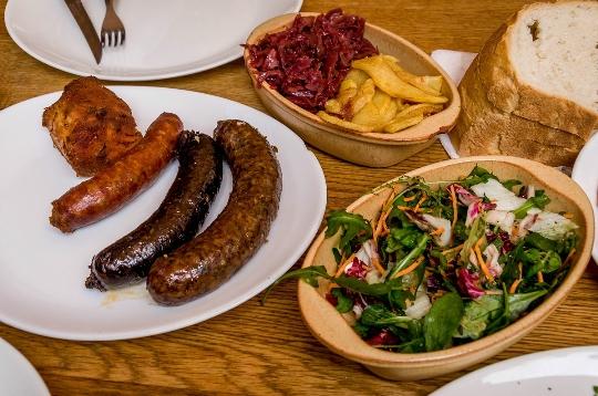 Unkarilaista ruokaa