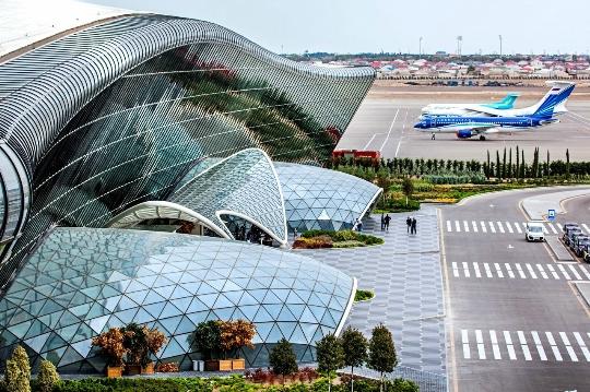Azerbaidžanin lentokentät