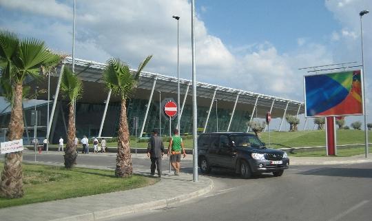 Albanian lentokentät