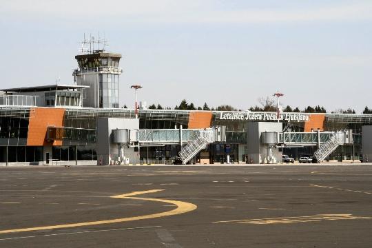 Slovenian lentokentät