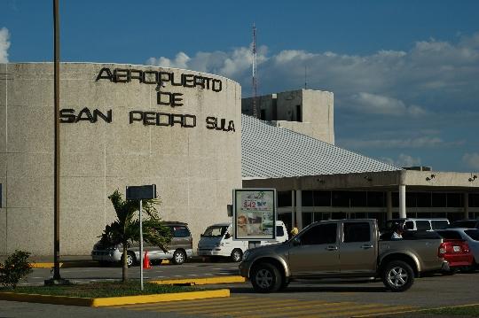 Hondurasin lentokentät