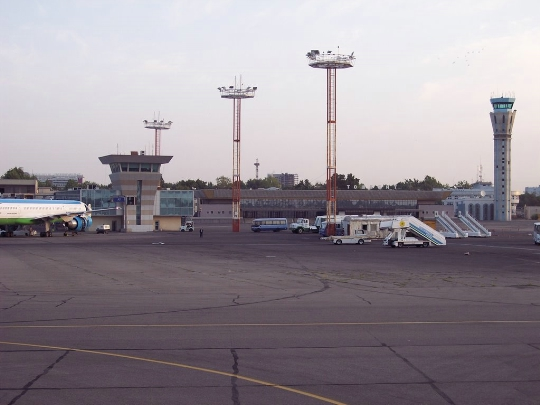 Летища в Узбекистан