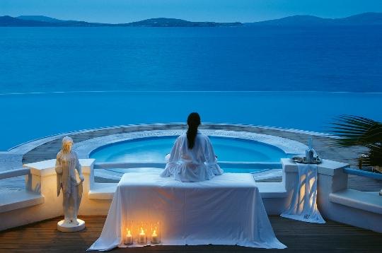 Почивки в Гърция през август