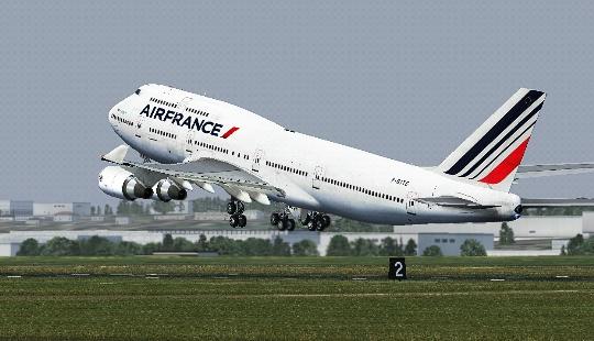 Kuinka paljon lentää Nizzasta Moskovaan?