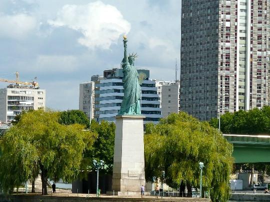 Vapaudenpatsas Pariisissa