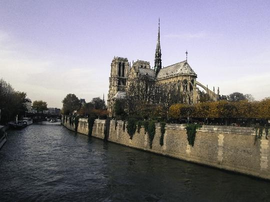 Pariisiin viikonloppuna