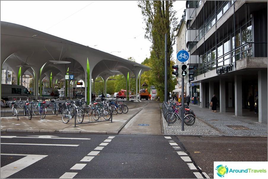 Polkupyörätiet Münchenissä.