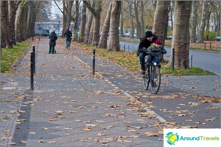 Polkupyörätiet Berliinissä