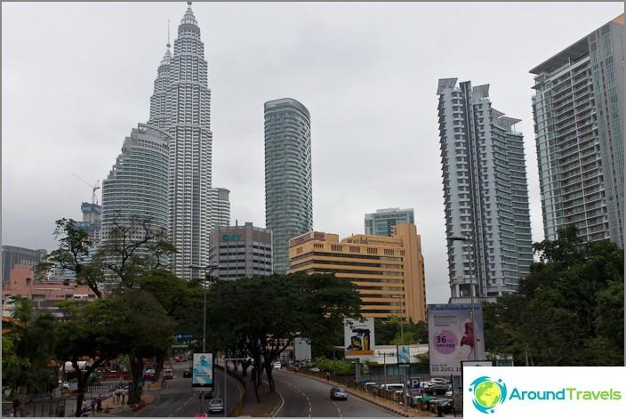 Petronas Towers - näkymä kaupunkiin
