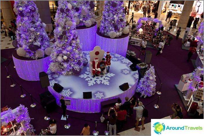 Uusi vuosi Petronas Towers -ostoskeskuksessa