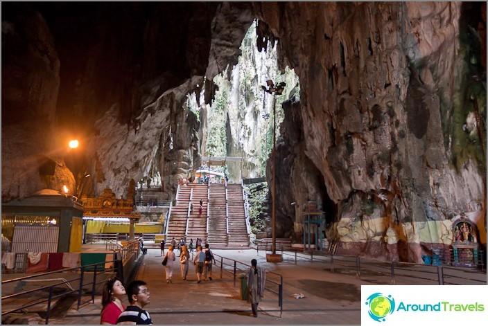 Пещерите Бату вътре