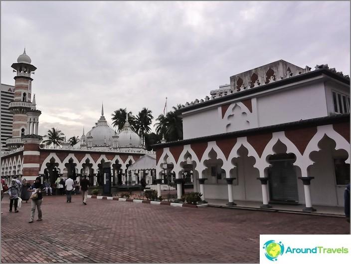 Moskeija Jamek (Masjid Jamek) suljettiin