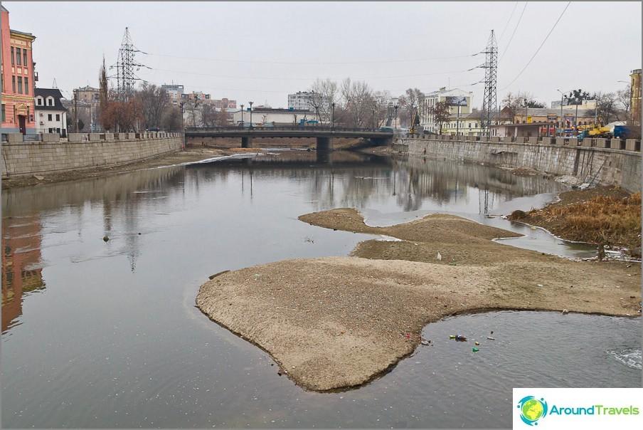 Цялата вода от реката е отишла някъде