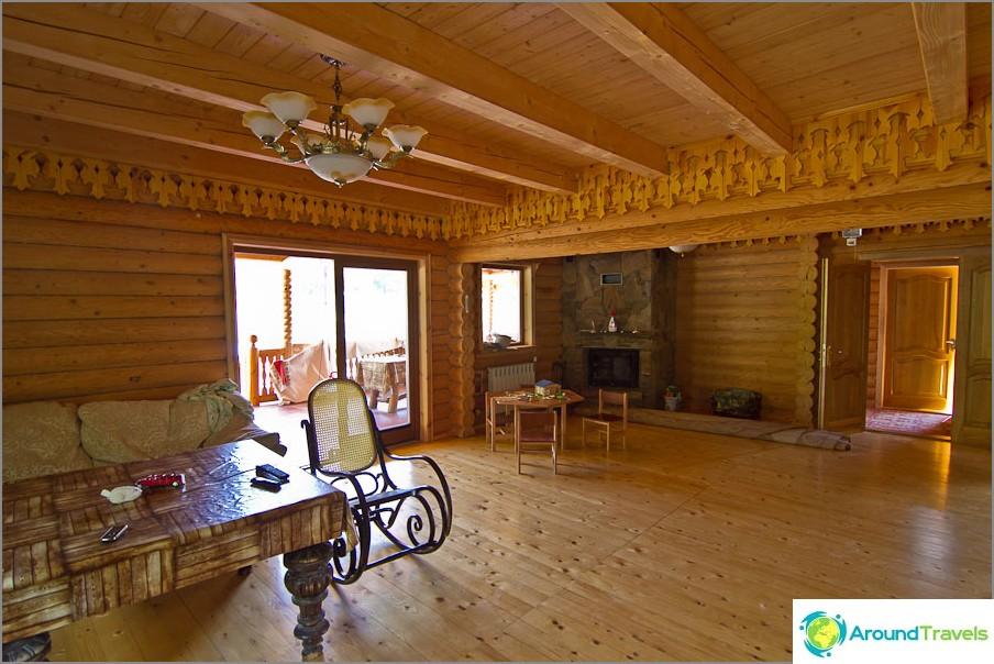 Обичам дървени къщи, толкова уютни