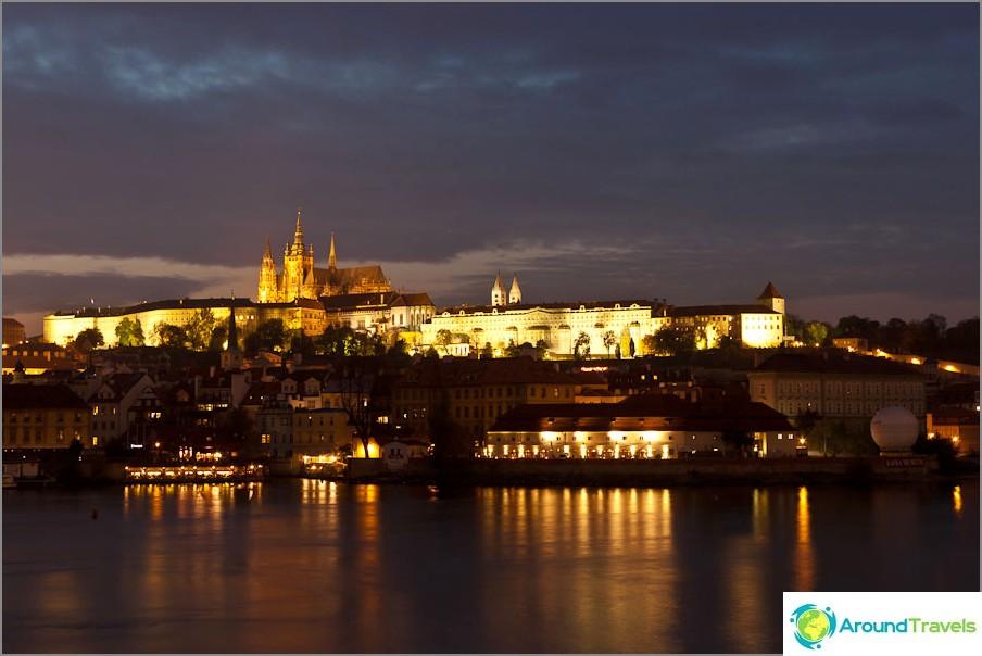 Ilta romanssi Prahassa.