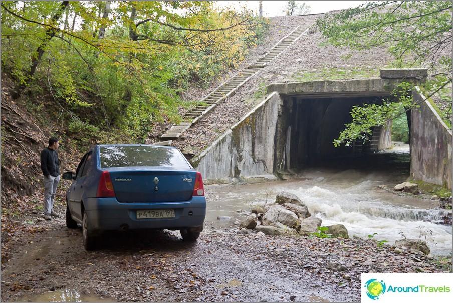 Kaikilla tunneleilla ei voida ajaa tavallisella autolla