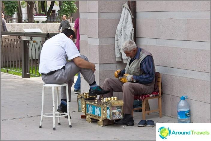 Kenkäpesuaine Ankarassa.