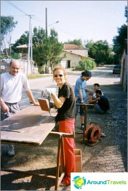 Работете като доброволец - реставрация и строителство.