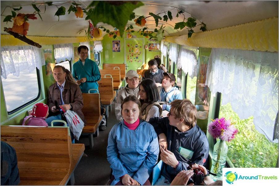 I bilen på Minsk-barnens gula väg uppkallad efter Zaslonov