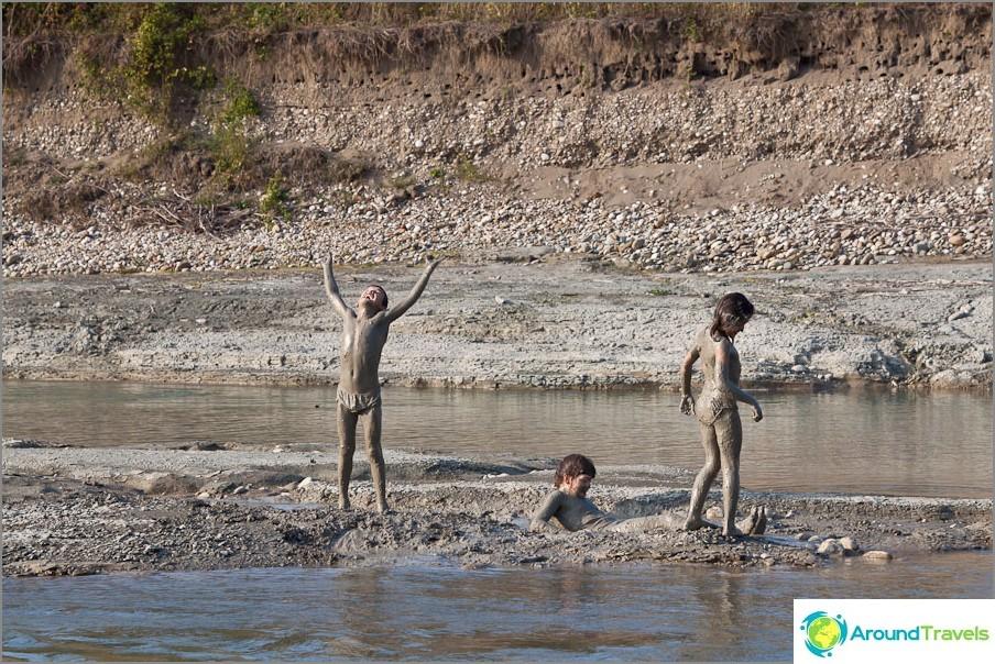 Lähin joki voi ottaa oikeita mutakylpyjä