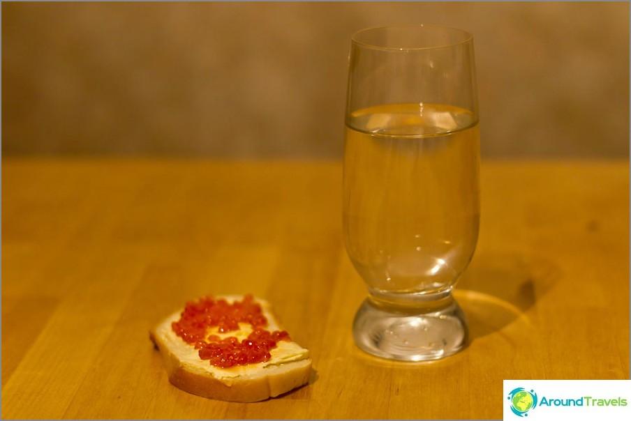 Elämme leivällä ja vedellä
