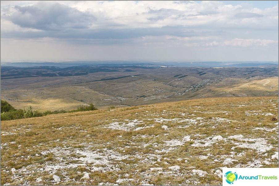Näkymä Karabi Yaylin alemmalle tasangolle