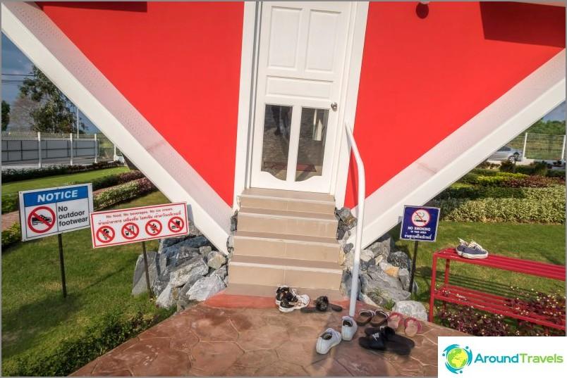 sisäänkäynti taloon