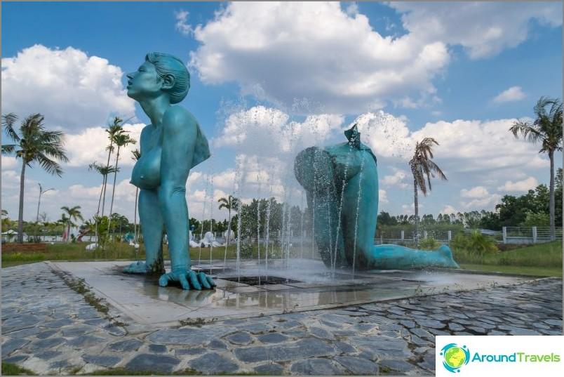 Suihkulähde Love Art Parkissa