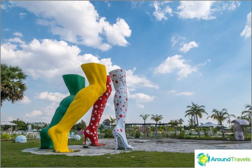 Love Art Park Pattayassa - eroottinen puisto amatööri