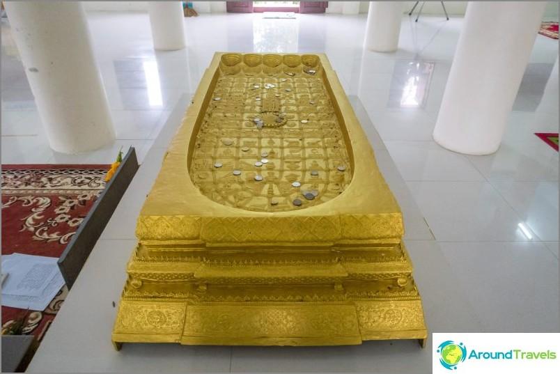 Вътре в първото ниво на пагодата
